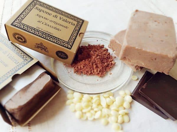 jabón natural artesanal casero de chocolate y cacao para piel seca