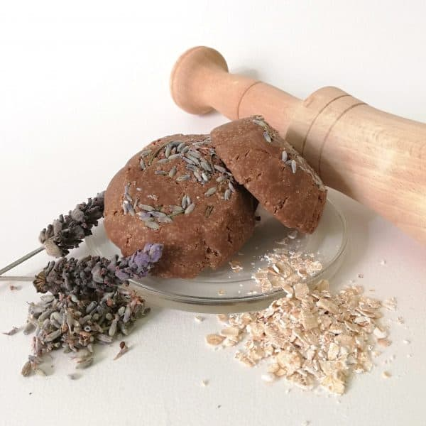 Champú sólido de Avena y Lavanda para cabello seco, graso o fino aporta brillo y fuerza