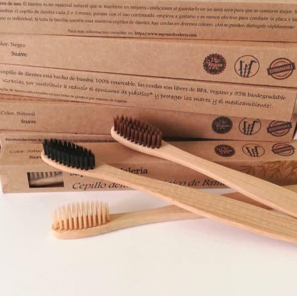 Cepillos de dientes de madera ecológicos de bambú