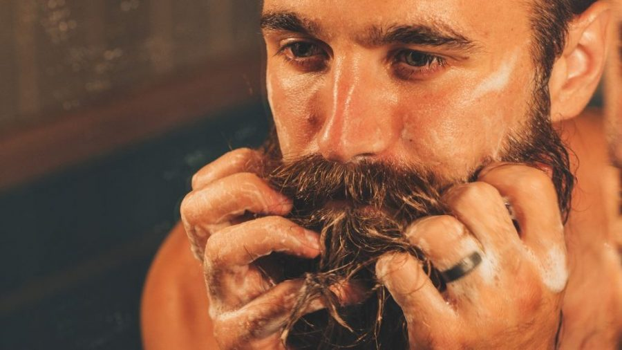 como lavar barba champu para barba